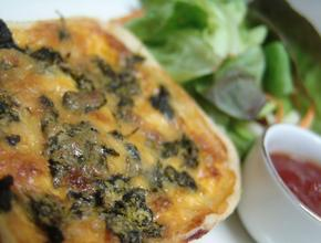 I Make The Pies! Spinache & Parmesan Quiche - NZ steak Pie Food Delivery - Jakarta