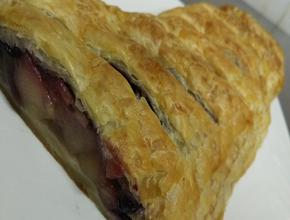 I Make The Pies! Apple n Blueberry Danish - NZ steak Pie Food Delivery - Jakarta